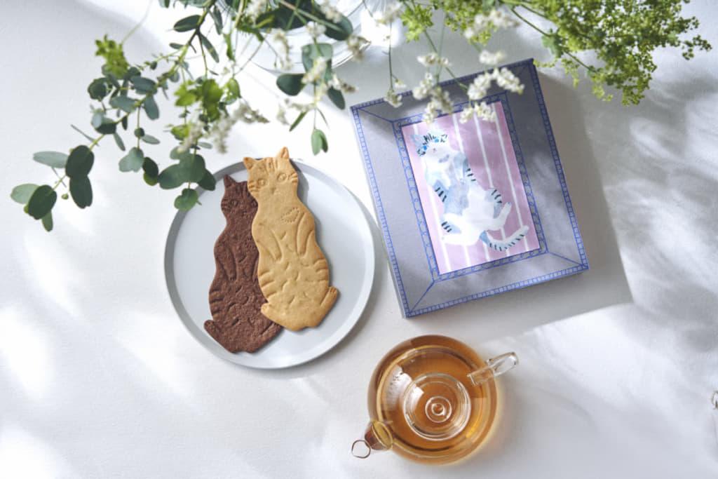 """坂本美雨さんの愛猫「サバ美」の""""#ズサァ""""、猫飼いSNSではお馴染みのポーズがお菓子に!"""